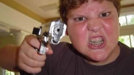 Никога не давай оръжие на идиот! - Провали