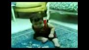 Преуморено Бебе
