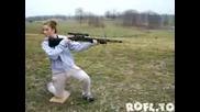Ето Заради Това Не Се Дават Пушки на Жени