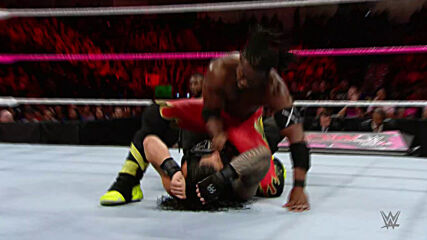 Roman Reigns vs. Kofi Kingston: Raw, Oct. 26, 2015 (Full Match)