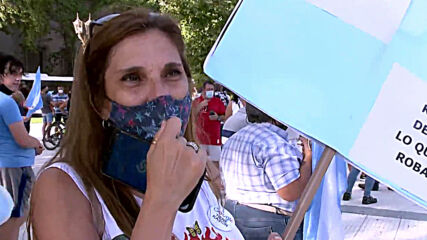 Argentina: Demonstrators protest in Buenos Aires over 'VIP vaccine' scandal