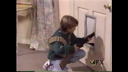 Сам В Къщи С Майкъл Джексън (пародия)