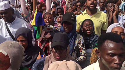 Sudan: Students march for protest 'martyrs'