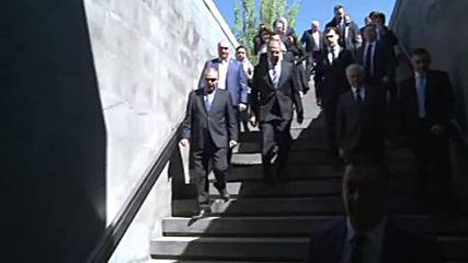Armenia: Lavrov pays commemorates Armenian massacre ahead of anniversary