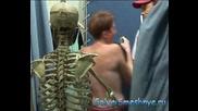 Голи И Смешни - Скелет В Пробната!(Скрита Камера)