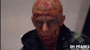 Зомби апокалипсис се разразява пред очите на изплашени хора - ужасяваща шега