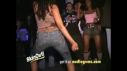 Shake It Hard Girls Skinout Extra
