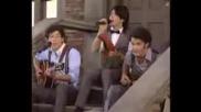 Jonas Brothers - Love Bug Live Vma