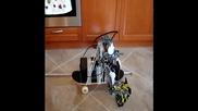 Скайтбот. Робот върху скайтборд. Засега с един крак