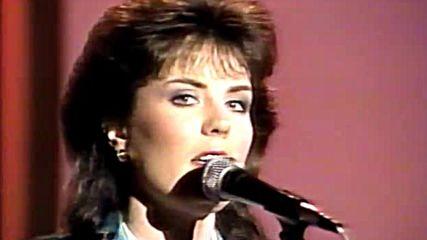 Holly Dunn - Strangers Again / Live on Nashville Now 1988
