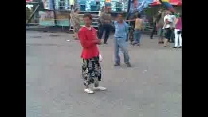 щур танцува на шопския (2009г)