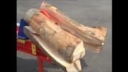 Вижте как се цепят дърва по европейски