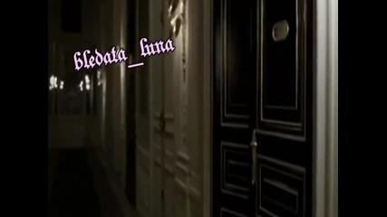 Превод ~ Наташа Теодориду - Заключена врата