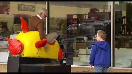 Jackass представя - Лошия Дядо ' Bad Grandpa ' Official trailer #1