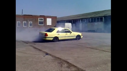 Mercedes drifting W202
