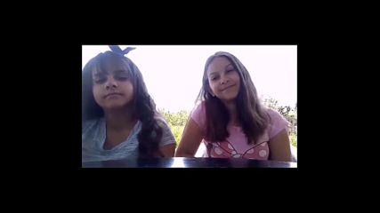 Наши ученици изпълняват училищния химн