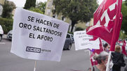 Spain: Lidl supermarket workers strike over lack of security measures amid COVID crisis