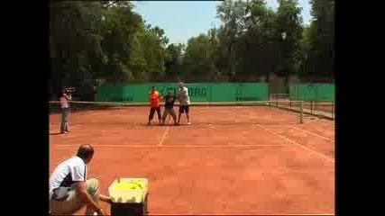 Удряне С Машина За Тенис Топки