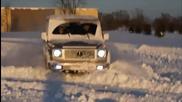 G-class в действие на сняг!