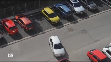 Блондинка се опитва да паркира кола - смях