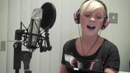 Яка блондинка пее Grenede