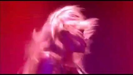 Shakira - She Wolf [live From Paris]