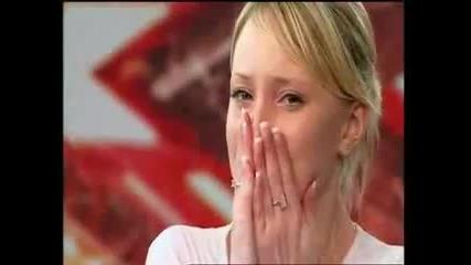 ! Момиче разплака журито с историята си и гласа си!!