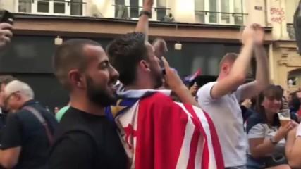 Франция: Париж полудява от удоволствие след втория гол на Гризман