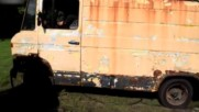 Мъж Подкара Мерцедес Стоял 12 Години На Сметището
