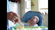 Бебе Наско (не) Пие Сок От Морков