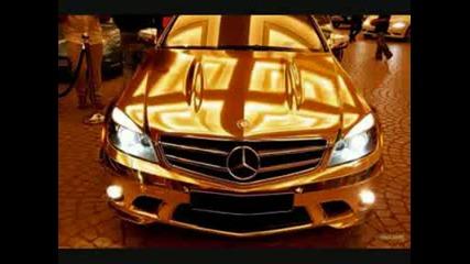 Otnovo zlatna kola po ulicite na Dubai, tozi pat Mercedes C63