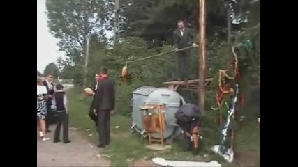 Румънска сватба (кой ще вземе питата)