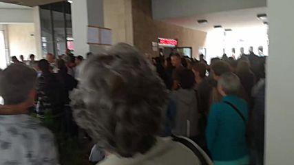 11 май Ловеч - Протест за спасяване на болницата Оставка