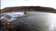 Екстремна разходка със снегомобил по вода в Исландия