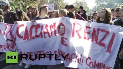 Italy: Thousands march against Renzi's 'Good School' reforms in Rome