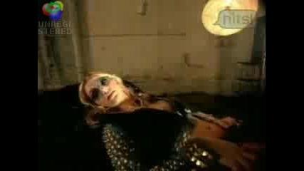 Britney Spears - Dont go knocking on my door Превод