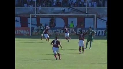 Роналдиньо с първи гол за Фламенго