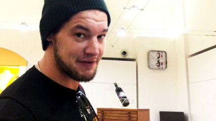 Baron Corbin goes watch-shopping in Italy