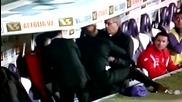 """Екшън в Серия """"а"""" - треньор сменя и млати сръбски национал преди почивката, бият му шута"""