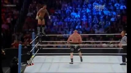 Лятно Тръшване 2013 : Брок Леснар срещу Си Ем Пънк - ( Пол Хейман край ринга като придружаващ Брок )