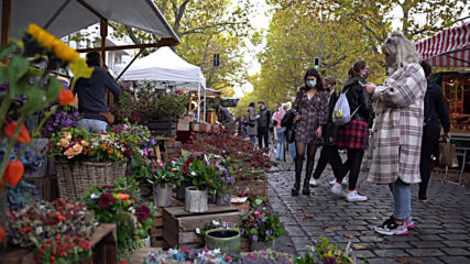 Germany: Berlin weekend market full as new mandatory mask measure comes into effect