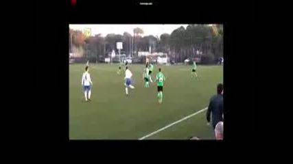 Феноменален гол в последната секунда на приятелски мач!