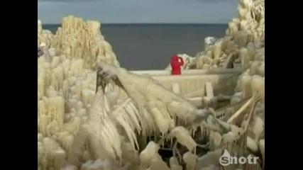 Изумително!!! Замръзнал водопад