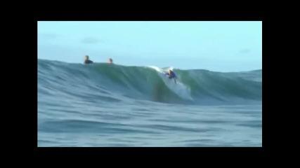 Най-смъртоносният риф срещна най-добрите сърфисти