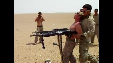 Военни се забавляват