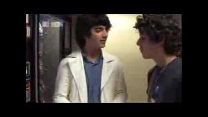 Jonas Brothers: How To Work A Soda Machine