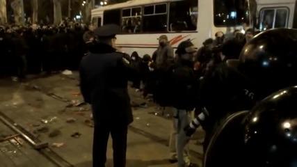 Киевската хунта в опит за майдан в Донецк. Народът е против!