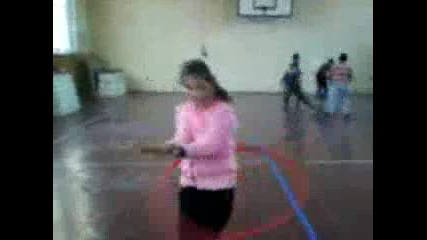 ciganka varti obra4 i igrae kiu4ek :d :d :d