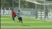 Навас започна атаката на титулярното място в Реал