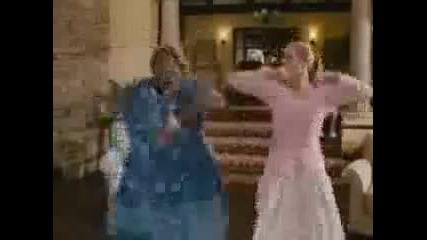 Agent Xxl2 ! Голямото мамче дава уроци по танци ! Смяхх ;d